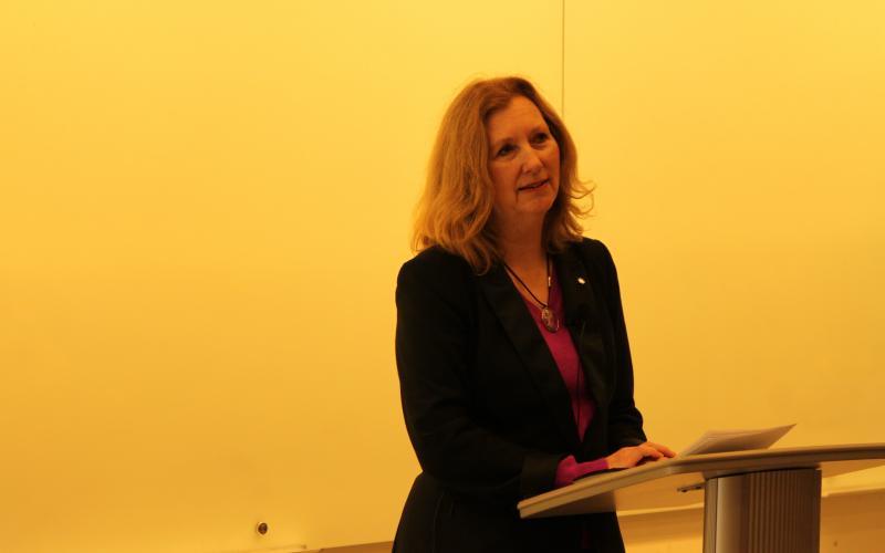 Mary Gordon presenting keynote at SMF 2018