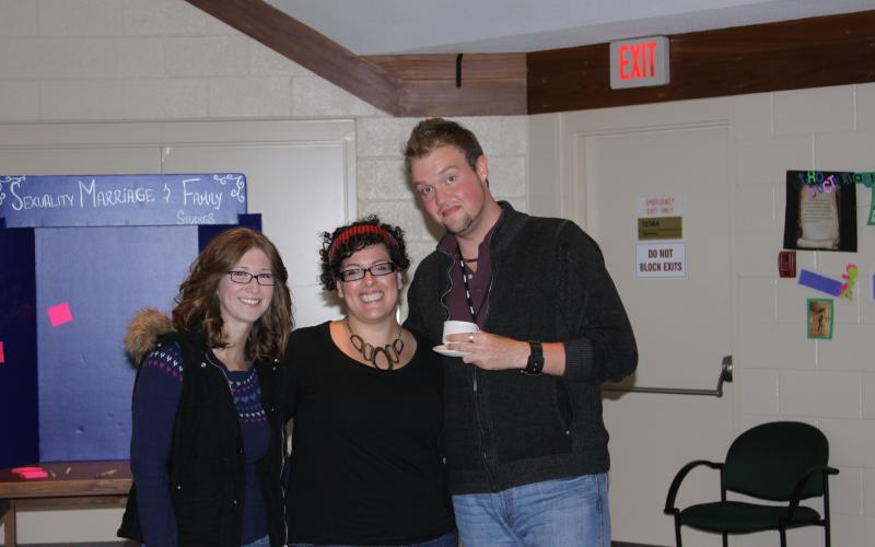 Picture of Sympoium Speaker Kevin Nixon and 2 SMF Students